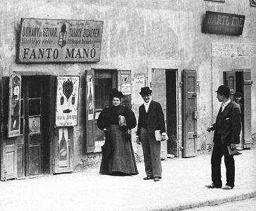 Kisvárosi életkép Magyarországról, a XIX. század végéről. - Provincial conversation piece from Hungary the XIX. from a century's end.